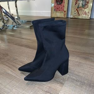 Pretty Little Thing black booties size 38